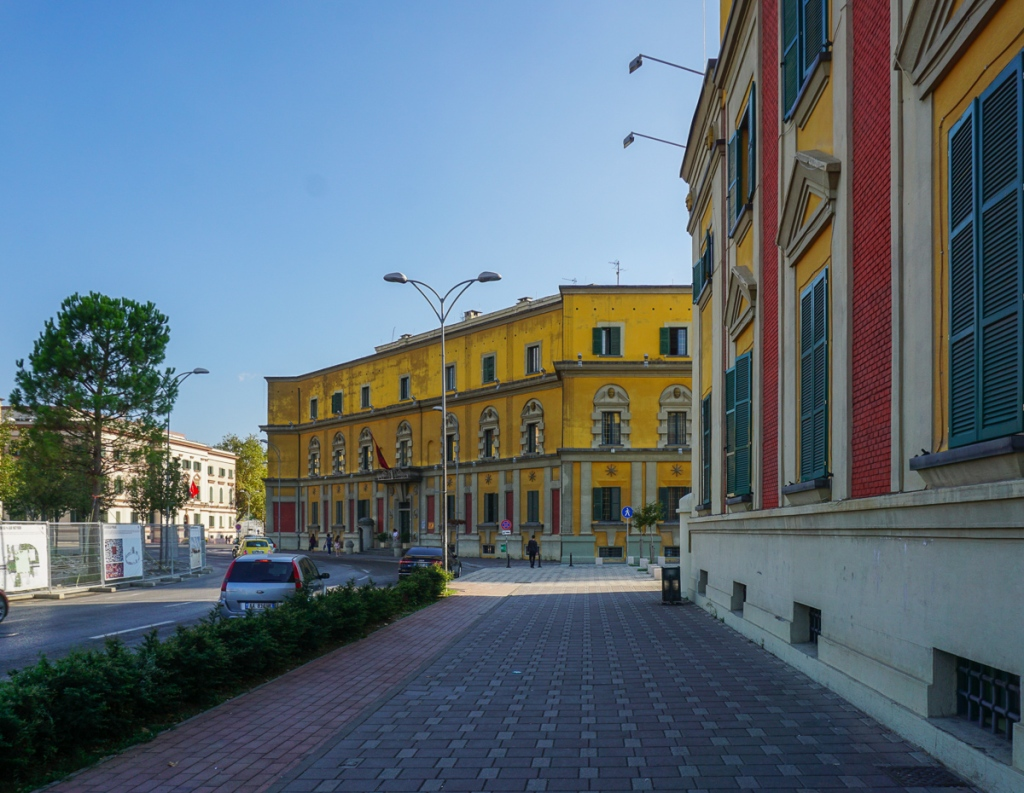 Neoklassieke gebouwen | Skanderbegplein | Tirana | Albanië