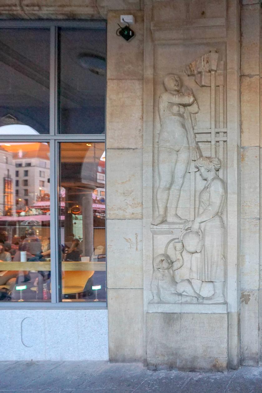 Reliëfs | Altmarkt | Dresden | Duitsland