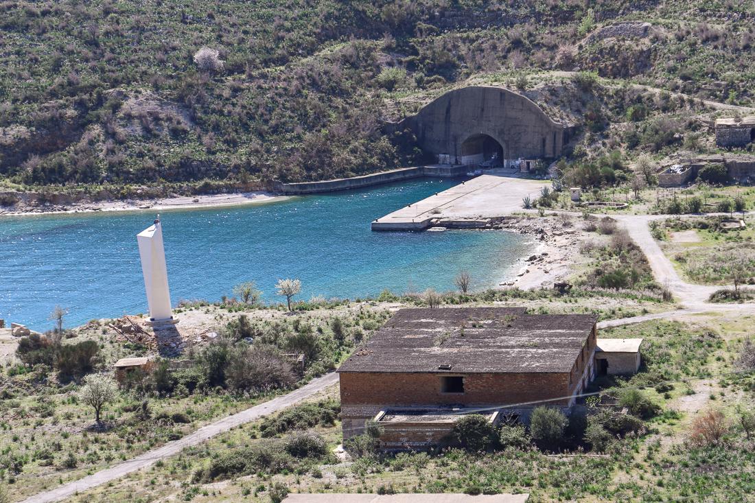 Marinecomplex en onderzeeërbunker Porto Palermo | maart 2019 | Himare | Albanië