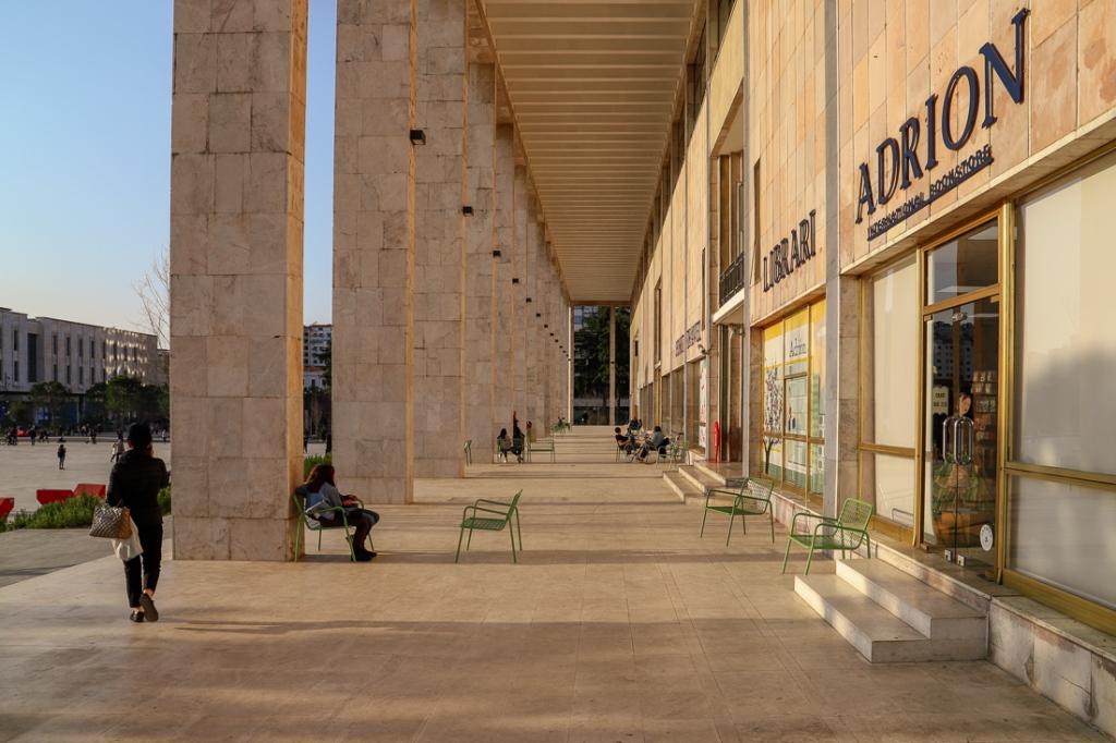 Cultuurpaleis | Tirana | Albanië | maart 2019 | © Martijn Haan