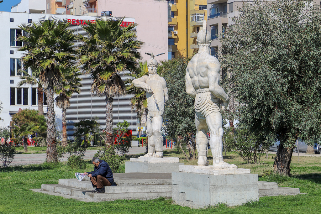 Romeinse beelden met man | Dürres | Albanië