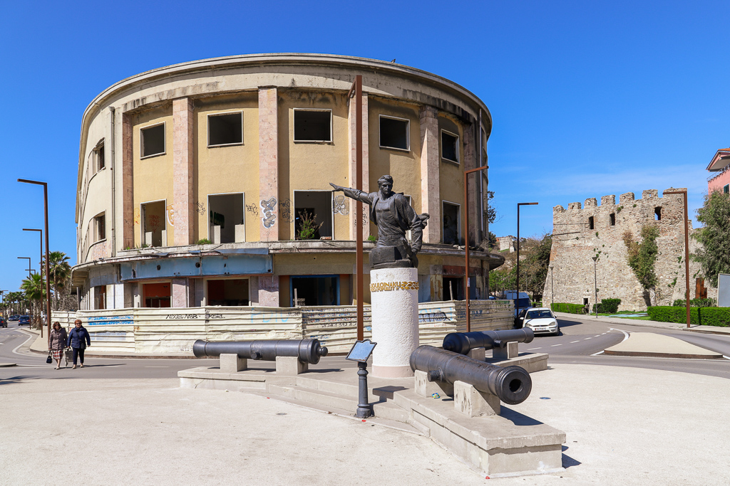 Monument voor partizaan | Dürres | Albanië