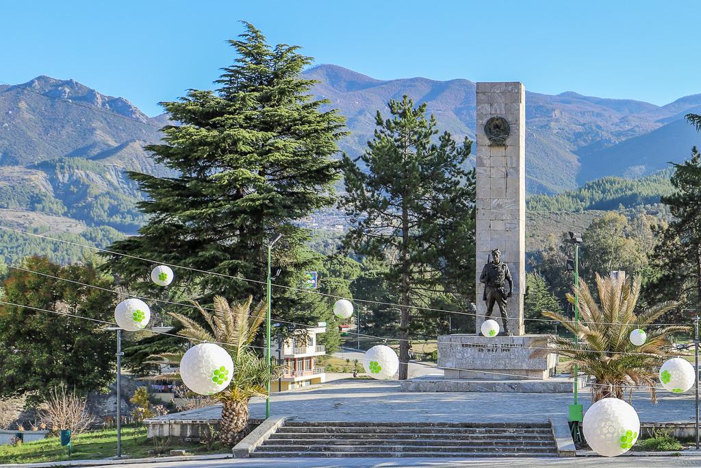 Monument Congres van Permët | Permët | Albanië