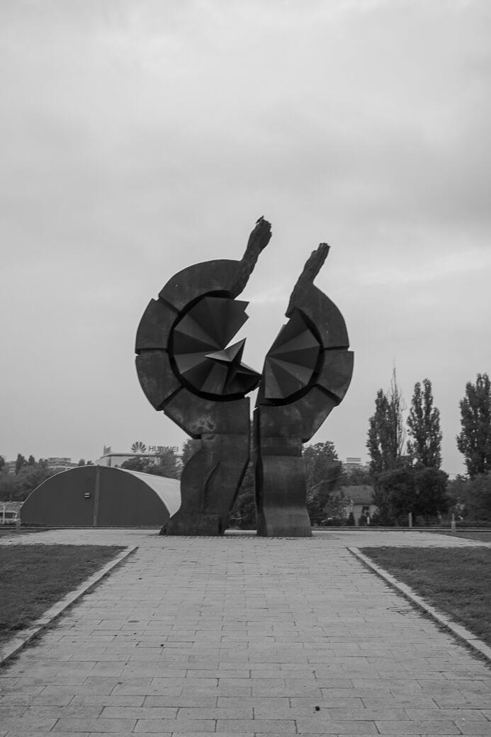 Monument voor slachtoffers kamp Sajmište | Belgrado | Servië