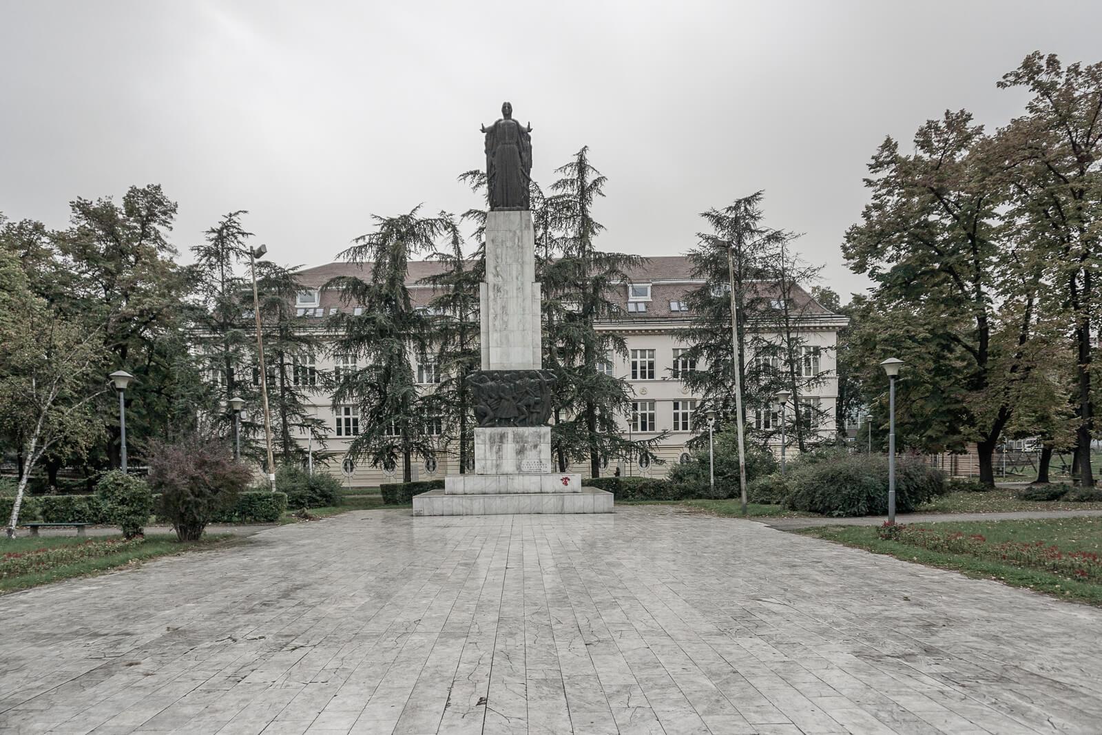 Monument voor de gevallen 1941-1945, Avijatičarski Trg | Belgrado | Servië