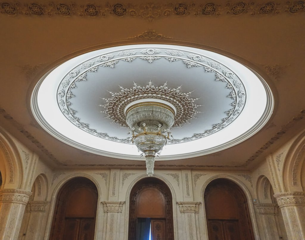 Kroonluchter Parlementspaleis | Palatul Parlamentului | Boekarest | Roemenië