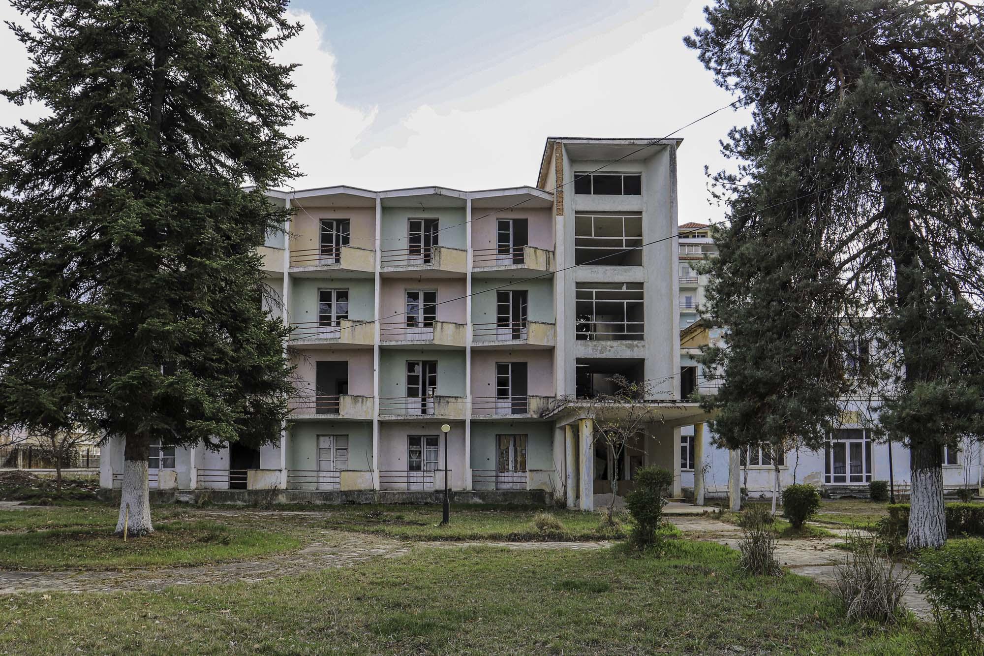 Leegstaand hotel | Pogradec | Albanië